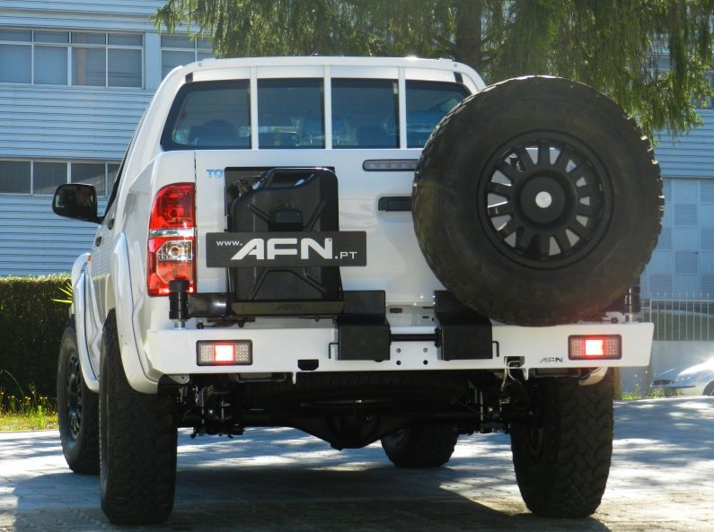 Afn Toyota Hilux 05 15 Rear Bumper With Jerry Can