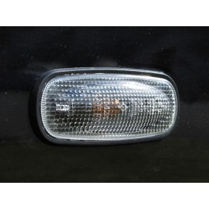 XGB100310L Clear Side Repeater Lamp Defender 1998 on / Discovery 2