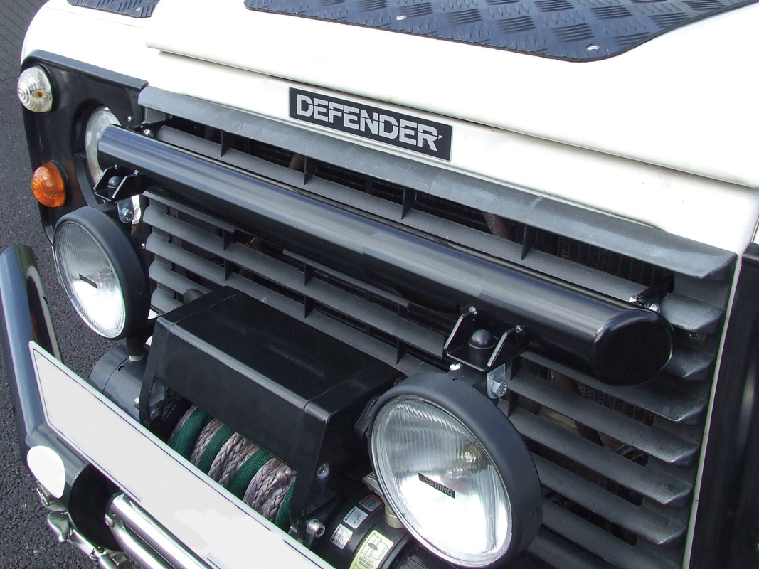 Defender Grill Mount Light Bar - Non Ac
