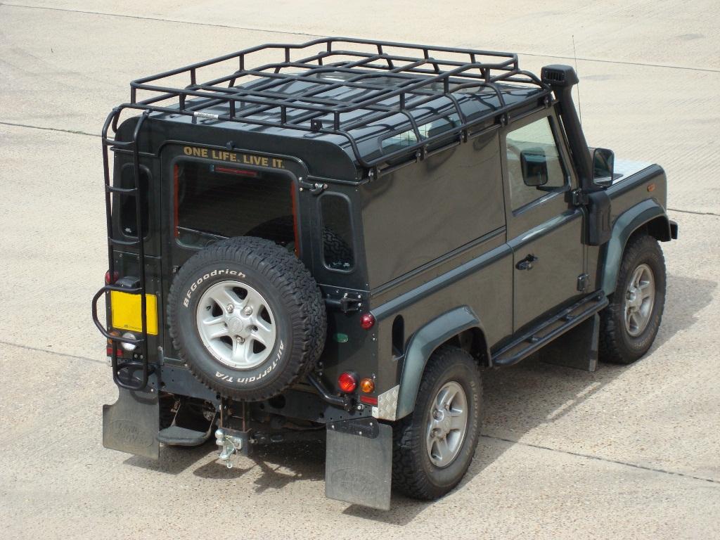 safety devices g4 expedition roof rack defender 90 devon 4x4 da4718 brp. Black Bedroom Furniture Sets. Home Design Ideas