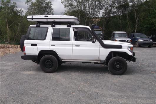 The last item to be added was the ARB 2.5m Awning ... & Devon4x4 :: James Baroud Roof Tent